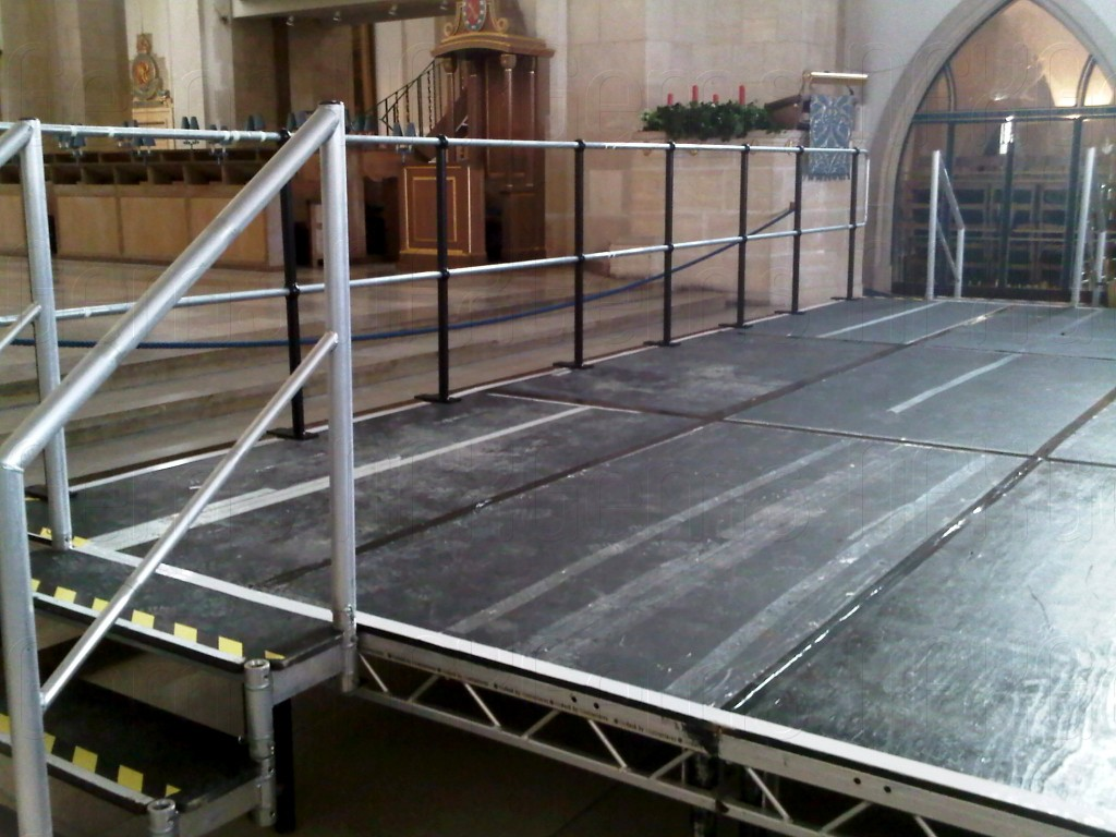 Stage build cathedral